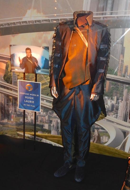 http://hollywoodmoviecostumesandprops.blogspot.com.au/2015/05/original-tomorrowland-movie-costumes-on.html