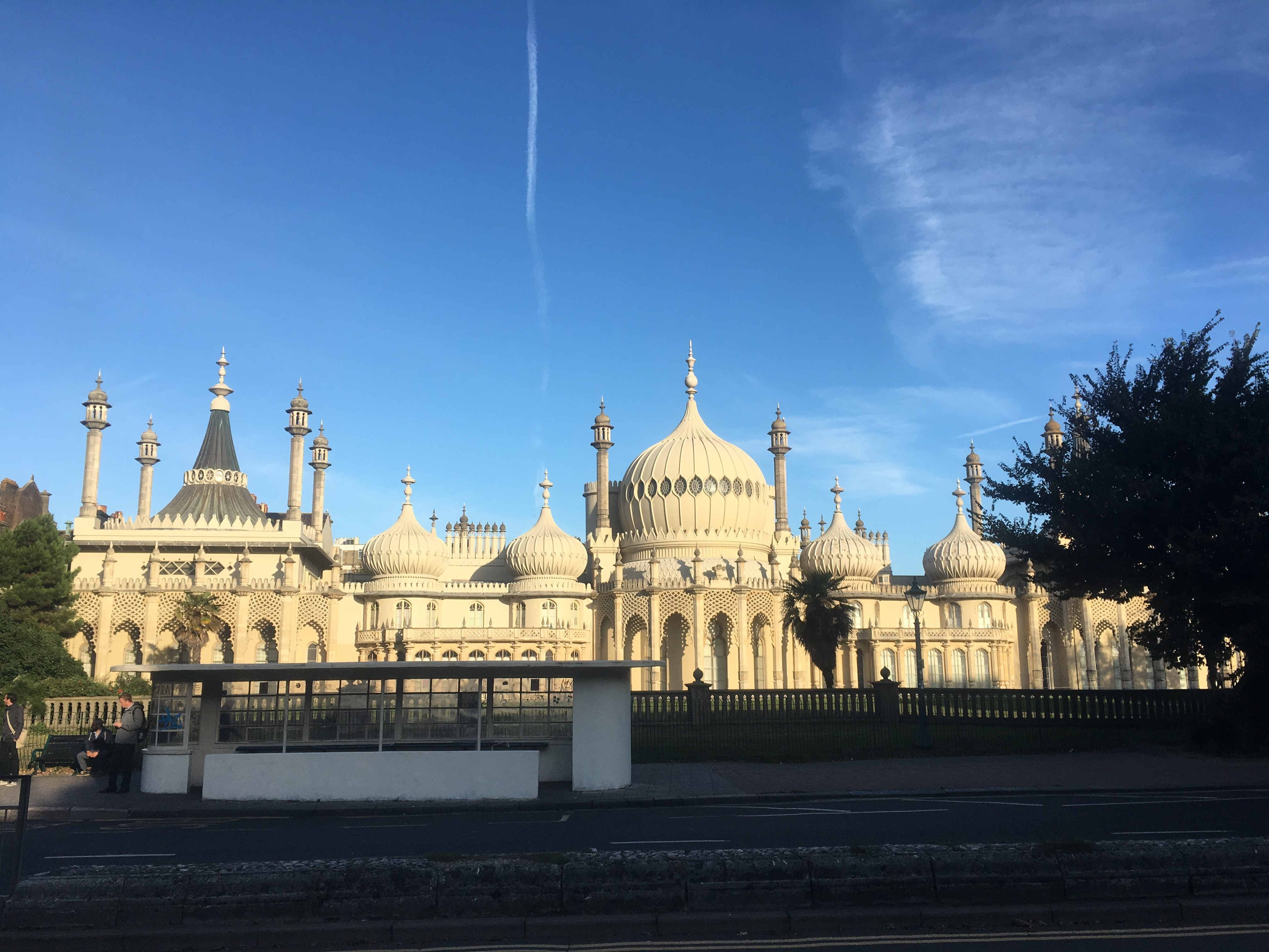Contrail above Brighton Pavilion