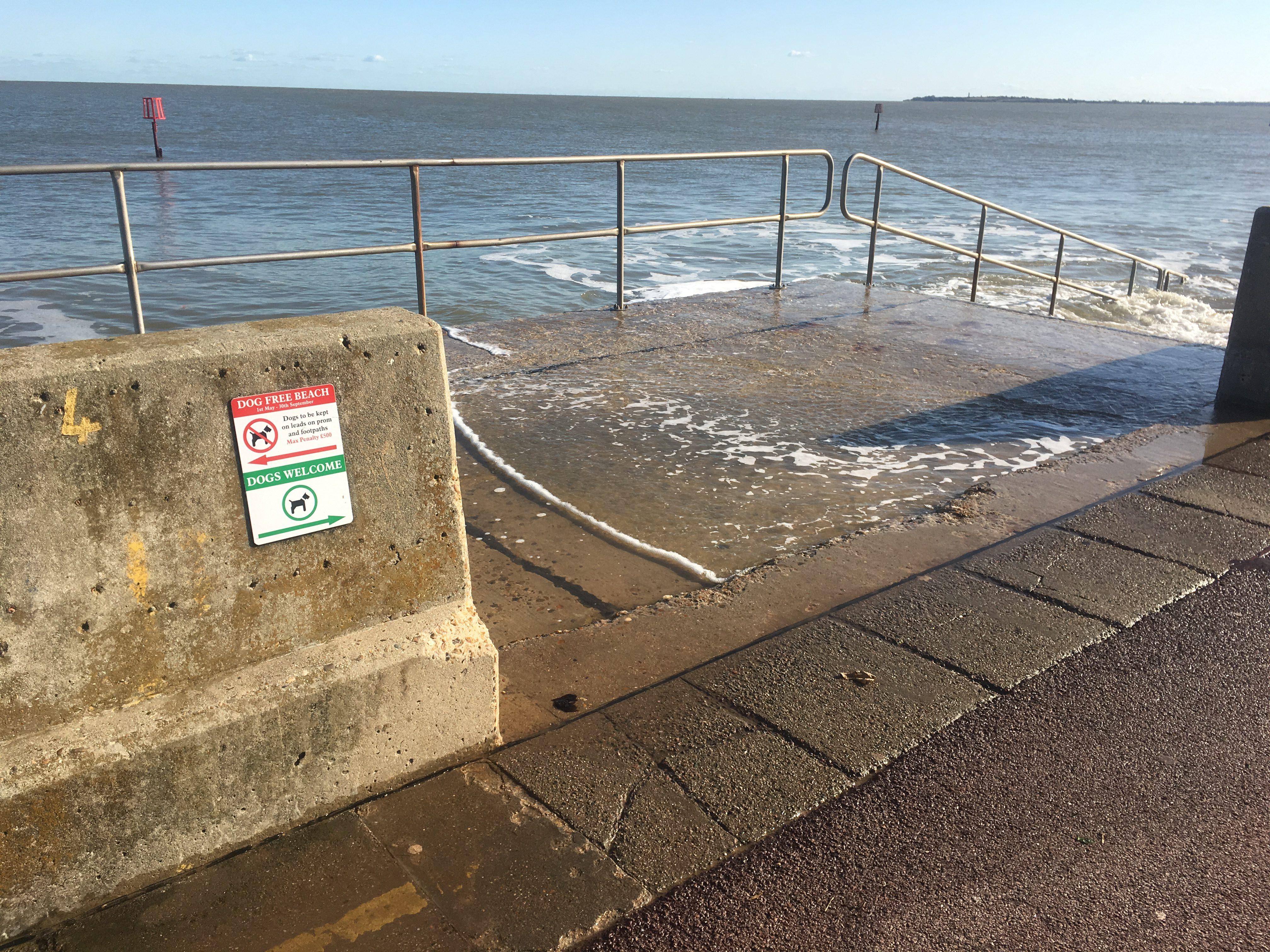 Nice walk beside the Harwich beach