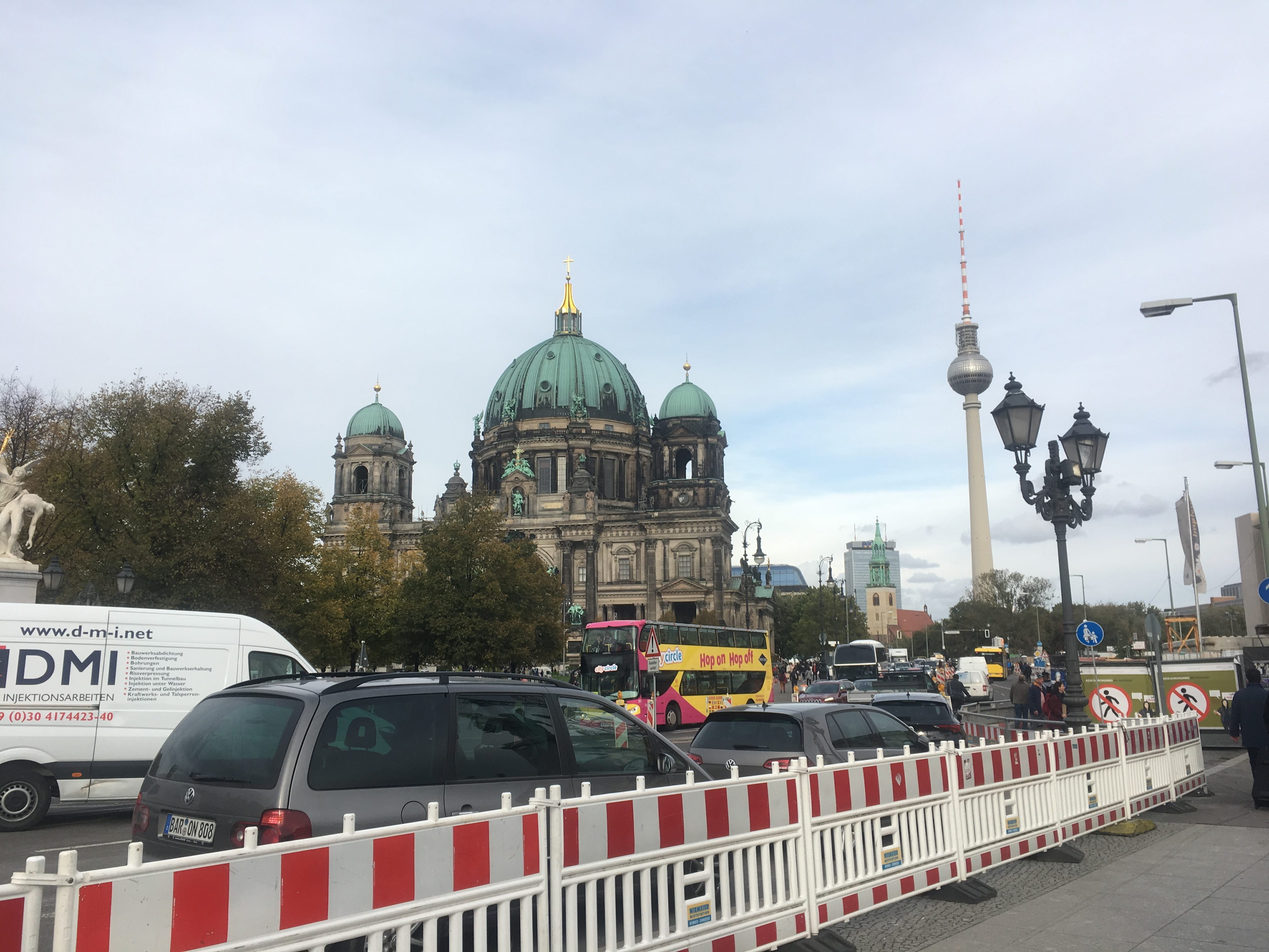Berlin pointy things, traffic and barriers