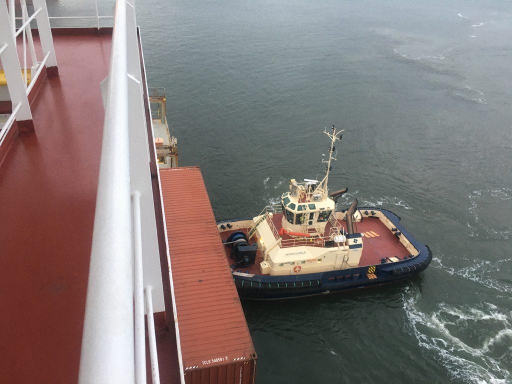 Brisbane tug helps Ontario II